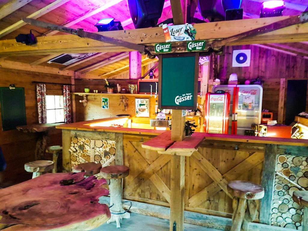 Individuelle Gestaltung der Zillertaler Holzhütten