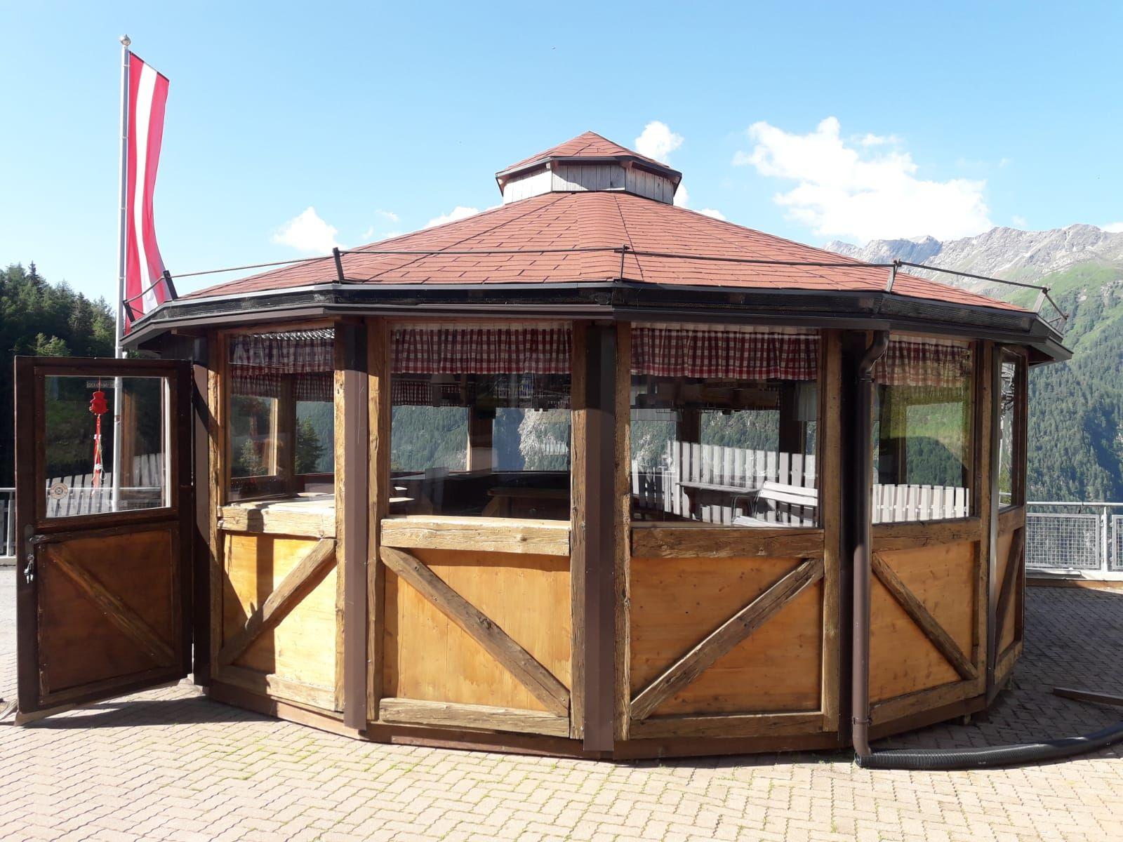 Rustikaler mobiler Holzpavillon zum Mieten und Kaufen